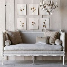 The coziest way to dress up a #shabbychic living room is with a #Swedish antique settee. #Gustavian #highboystyle