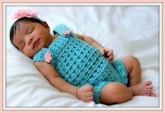 Crochet romper and headband for newborn photos
