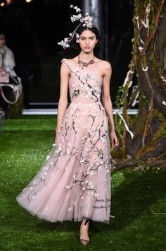 Specially for the Tokyo show, Maria Grazia Chiuri has designed a number of additional and entirely new creations, drawing inspirations from a design in which Monsieur Dior, in 1953, expressed his f...
