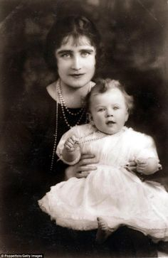The Duchess of York ( later the Queen Mother) with Princess Elizabeth