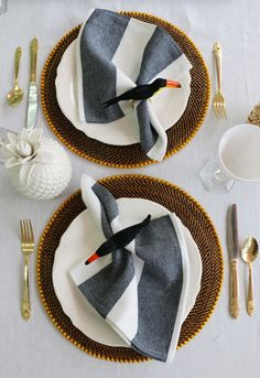 Complete your tropical table setting with these toucan napkin rings.