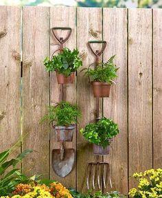 Hanging Rustic Garden Planters #LandscapeGarden
