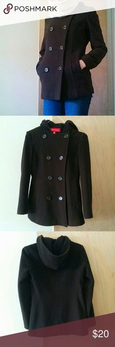 """Anne Klein petite double breasted peacoat Brown peacoat petite! I loved this coat very much when I got it (about 15 years ago. does that make it vintage? lol). It's been in a garment bag for years. It's sturdy and well made and still looks classic. This thing will last forever. It's very petite. I'm 5'4"""" with a small bust and it just fits me in the arms, a thread smaller would be too small.  This coat has a strange perfectly circular flaw shown in last picture. I have no explanation for this…"""