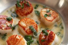 Seared Scallop with White Wine Butter Sauce - All Recipes- Pétoncle poêlé au . Seared Scallop with White Wine Butter Sauce - All. Fish Dishes, Seafood Dishes, Fish And Seafood, Fish Recipes, Seafood Recipes, Cooking Recipes, Healthy Recipes, Delicious Recipes, Clam Recipes