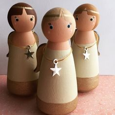 Guardian Angel wooden peg dolls ©️ Available personalised on Etsy from Gabe & Penny for Christmas Wood, Christmas Angels, Christmas Crafts, Xmas, Wood Peg Dolls, Clothespin Dolls, Dolly Doll, Wooden Pegs, Kokeshi Dolls