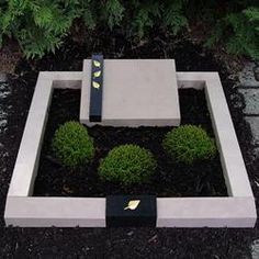 Samulewitz tombs, urn graves, urn graves, grave designs … – Miracles from Nature Cemetery Art, Baby Memories, Grave Memorials, Outdoor Fun, Creative Art, Stone, Plants, Freundlich, Monuments