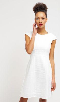 Vestito bianco e nero quali accessori 500