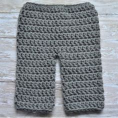 It's almost Fall! Click-through 10 trendy and adorable must-have crochet baby items.