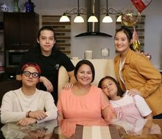 Happy Mothers Day from the Padilla Family 💞💞💞💙 Daniel Padilla, Happy Mothers Day, Parents, Blue Hearts, Couple Photos, Dads, Couple Shots, Mother's Day, Couple Pics