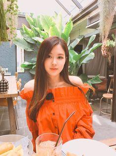 Isinya hanya manusia manusia bucin 97 line (only chat+ig) ⚠Toxic ⚠D… Forever Young, Yg Entertainment, South Korean Girls, Korean Girl Groups, Ulzzang, Blackpink Wallpaper, Rose Park, Girl Celebrities, Celebs