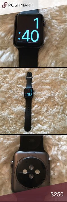 Apple 42mm space gray aluminum sport band watch. Like new. Perfect condition apple Other