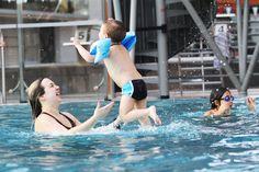 Parce que passer une après-midi à jouer et s'amuser à la piscine est un moment privilégié à partager avec ses enfants. www.centre-larchipel.com crédit photo Cyril Montels