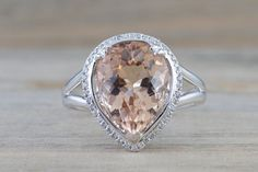 4.16 cts 14k White Gold Pear Peach Pink Morganite set in a Diamond Halo Engagement Ring Vintage
