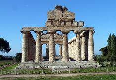 Magna Graecia: Temp of Athena c500bce ; outer doric, inner ionic (first); stairway to attic like Poseidon; 6x13