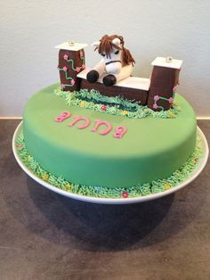 Themed birthday cakes from Danish baking blog Cakeateer