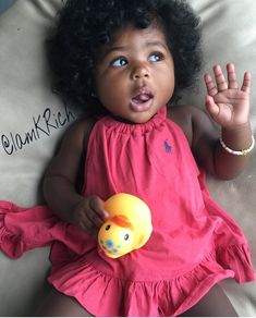This is so crazy she looks, like me when i was a baby, all that hair, and her face lol Cute Black Babies, Black Baby Girls, Beautiful Black Babies, Brown Babies, Cute Little Baby, Black Kids, Pretty Baby, Beautiful Children, Little Babies