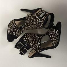 NWT Fashion Heel . N.Y.L.A. Shoes Heels
