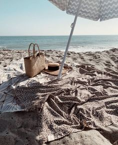 Sundays by the sea with our Corsica and Amur Leopard Travel Towels. Beach Pink, Beach Day, Summer Beach, Sea Beach Images, Beach Photos, Summer Feeling, Summer Vibes, Yacht Week, The Beach People
