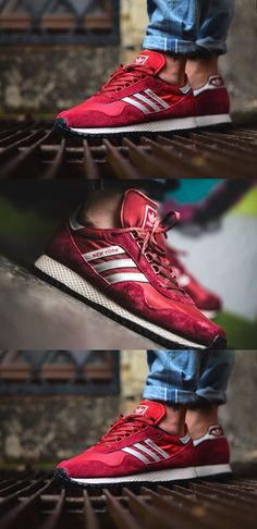 I adore these red adidas Sneakers Fashion, Fashion Shoes, Shoes Sneakers, Mens Fashion, Sneakers Style, Terno Slim, Zapatillas Casual, Sports Shoes, Swagg