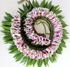 Fresh flowers bicolor White and Purple Lei by MyIslandleis on Etsy