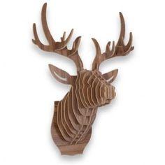 Haal een beetje natuur in huis met deze originele DIY Deer Head! Een echte eyecatcher voor aan de wand, helemaal zelf in elkaar te bouwen! MegaGadgets.nl