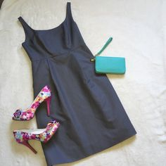 """NEW! J. Crew Grey Spring Beautiful Dress 4 Small new without tags! never worn! perfect condition! name brand: J Crew. size: 4 Small. color: Grey. measurements: length: 35"""", chest: 16"""", waist: 13"""", hips: 19"""". side zipper: 11"""". Two front pockets. material: shell: 100% cotton, lining: 100% polyester. This dress is very beautiful & pretty! Perfect for spring and summer weather! J. Crew Dresses Midi"""