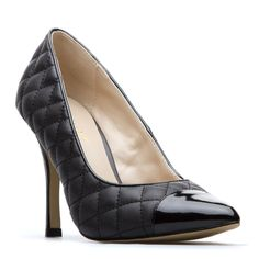 Quilted, Glossy cap-toe pump