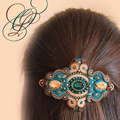 SOUTACHE Headpiece Jewelry, Bead Jewellery, Boho Jewelry, Jewelry Crafts, Craft Accessories, Head Accessories, Embroidery Jewelry, Beaded Embroidery, Fabric Origami
