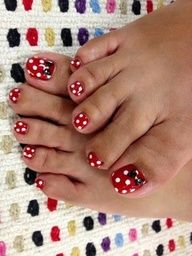 Minnie Mouse Nails! If we go to Disneyland we should all paint our nails like this (you will have to get over your foot fear Syd!)
