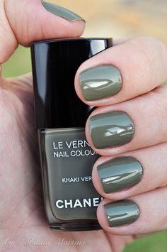 Khaki Vert by dreamfrever