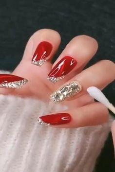 Cute Christmas Nails, Xmas Nails, Christmas Nail Art Designs, Holiday Nails, Winter Christmas, Classy Nail Designs, Red Nail Designs, Acrylic Nail Designs, Red Acrylic Nails