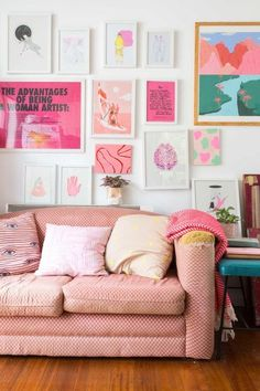 Home Interior Decoration Hands lips brains. All is pink.Home Interior Decoration Hands lips brains. All is pink. My New Room, My Room, Living Room Decor, Bedroom Decor, Wall Decor, Deco Retro, Aesthetic Rooms, Cheap Home Decor, Home Decor Accessories