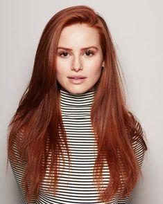 Red or Pink Hair Color Tones - Trendfrisuren Frank, akkurater Mittelscheitel Madelaine Petsch, Red Hair Celebrities, Celebs, Beautiful Celebrities, Hair Color Pink, Pink Hair, Blonde Hair, Hair Colors, Red Haired Actresses