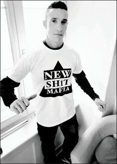 #NSMW (Livraison gratuite pour la Suisse) Christmas Sweaters, Music, How To Wear, Fashion, Switzerland, Athlete, Musica, Moda, Musik