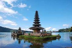 Pulau Dewata, Bali. Yang sudah mendunia banget, turis di hampir setiap negara pernah mengunjunginya.  #PINdonesia #OndeMonday