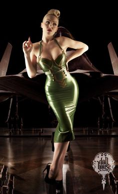 October DiVine | Pin Up Model – http://thepinuppodcast.com  re-pinned this because we are trying to make the pinup community a little bit better.
