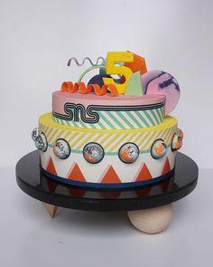 Bakery London, London Cake, Cake Cookies, Cupcake Cakes, Cupcakes, Dessert Decoration, Decorations, 5th Birthday Cake, Modern Cakes