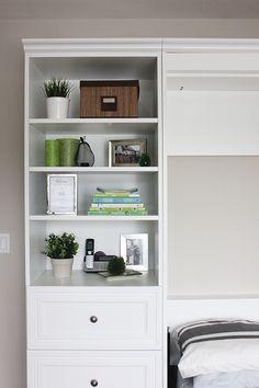visual meringue: murphy bed - shelf styling