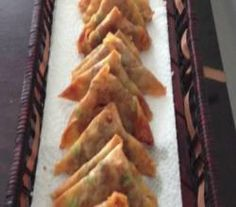 Looking for a recipe for mini samosas? Perhaps, you want an elegant party appetizer or finger food for your next get together or New Year's Eve Party. Well, try this recipe for Mini samosas (Indian snack) made using spring roll pastry. Indian Appetizers, Indian Snacks, Appetizers For Party, Indian Food Recipes, Vegetarian Recipes, Ethnic Recipes, Spring Roll Pastry, East Indian Food, Pastry Shells