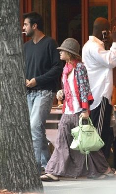 Mary-Kate Olsen wearing Balenciaga City Bag in Vert De Menthe, MK Out with Her Boyfriend in New York October 2 2004