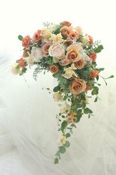 クレッセントブーケ 瑪瑙(めのう)と珊瑚(さんご) パークハイアット様へ : 一会 ウエディングの花