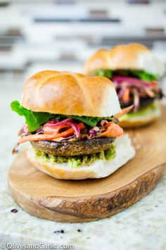 1000+ images about Burgers on Pinterest | Turkey burgers, Bbq burger ...