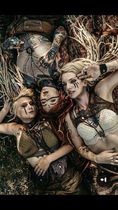 Crochet/knit tops add to the rustic. Crochet/knit tops add to the rustic. Fantasy Art Women, Fantasy Girl, Warrior Girl, Fantasy Warrior, Fantasy Characters, Female Characters, Mononoke Cosplay, Desgin, Character Inspiration