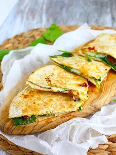 Quesadillas met geitenkaas en spinazie – Food And Drink Wrap Recipes, Lunch Recipes, Mexican Food Recipes, Vegetarian Recipes, Healthy Recipes, I Love Food, Good Food, Yummy Food, Tapas