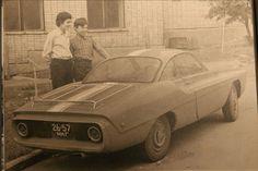 Na początku lat 60. roku w Związku Radzieckim zaprezentowano nietypowy samochód sportowy - Zaporożec Sport 900. Pojazd powstał z inicjatywy pracowników ins