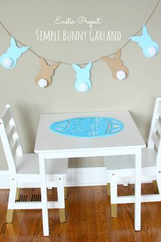 This garland is so easy to make and so darn cute - the perfect kids Easter project! | http://www.designimprovised.com