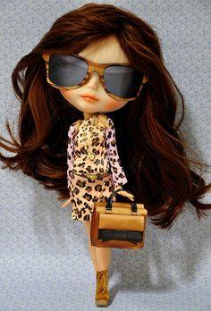 Fashionista - now this is my kind of blythe doll Cute Baby Dolls, Cute Babies, Pretty Dolls, Beautiful Dolls, Blythe Dolls, Barbie Dolls, Dolls Dolls, Valley Of The Dolls, Moda Vintage