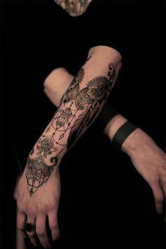 dodie tattoo 17 Elementos florais e renda nas tatuagens da francesa Dodie