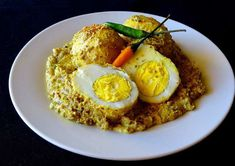 Sorshe Dim Posto / Egg curry with Mustard and Poppy seeds paste - Spicy World Simple and Easy Recipes by Arpita Garlic Recipes, Veg Recipes, Curry Recipes, Quick Recipes, Slow Cooker Recipes, Chicken Recipes, Cooking Recipes, Egg Curry, Fish Curry