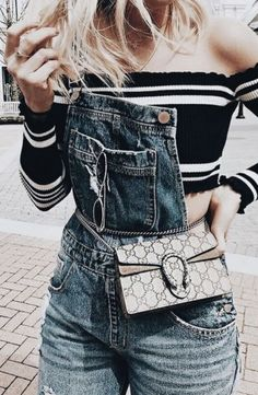 low priced 8cfe9 7742e Denim overalls with cute striped crop top and chic little handbag. Spring  Outfits Women,